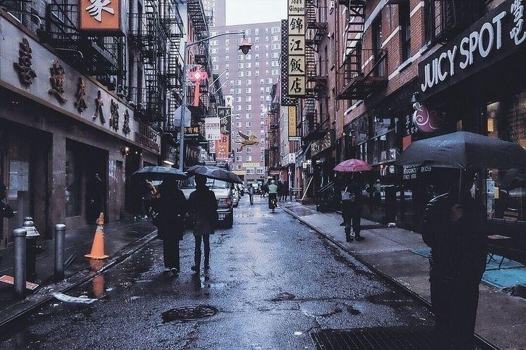 head full lightning hat rain  - newyorker - hwongexposure   ello