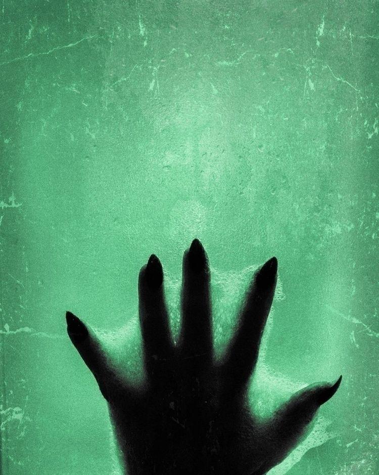 El miedo al es la parálisis de  - miriam_poison | ello