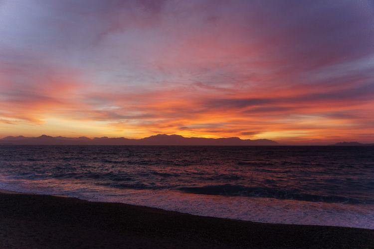 Munro - Calm Waters - playlist, spotify - roquane | ello