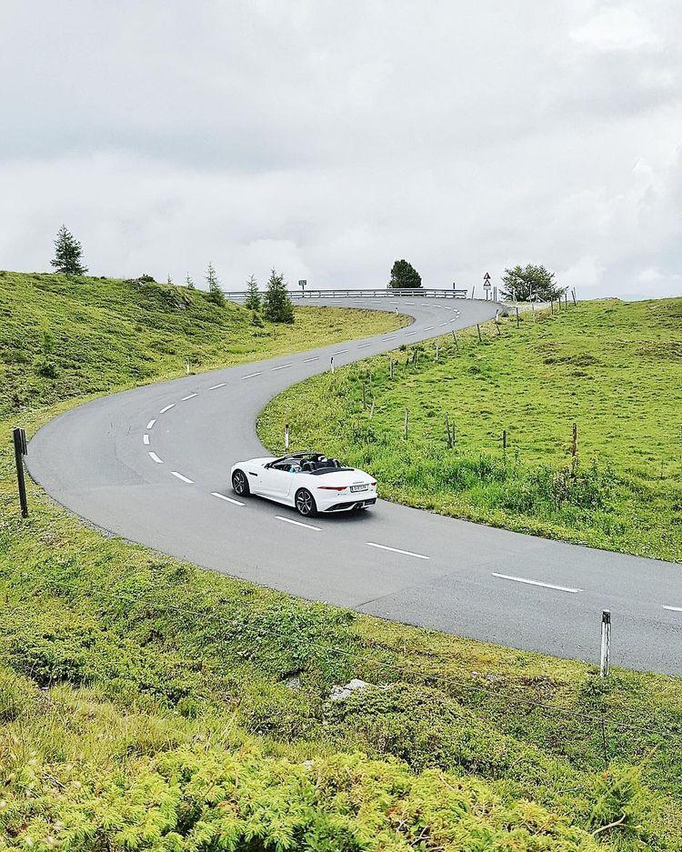 Beautiful roads drive Jag - austria - teufelchristoph | ello