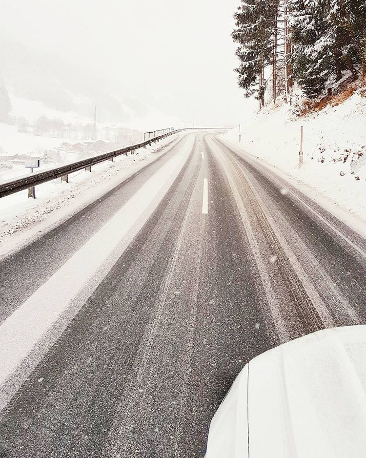- Shot driving ...  - roadtrip, winter. - teufelchristoph | ello