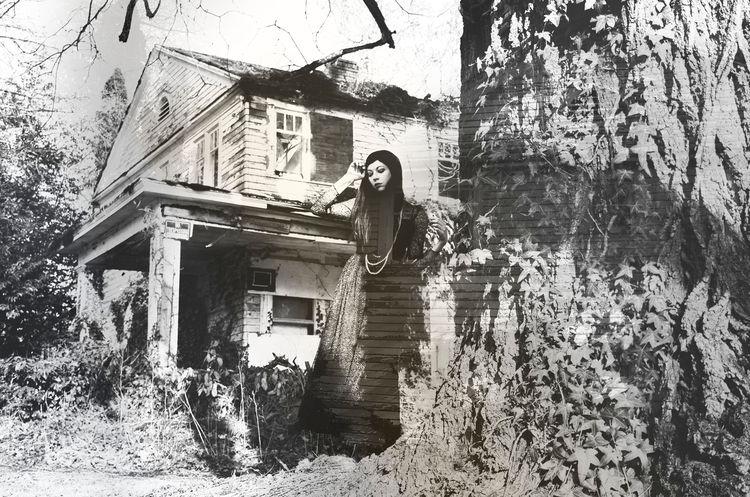 Shot abandoned house Oregon. Ph - ghostofearth | ello