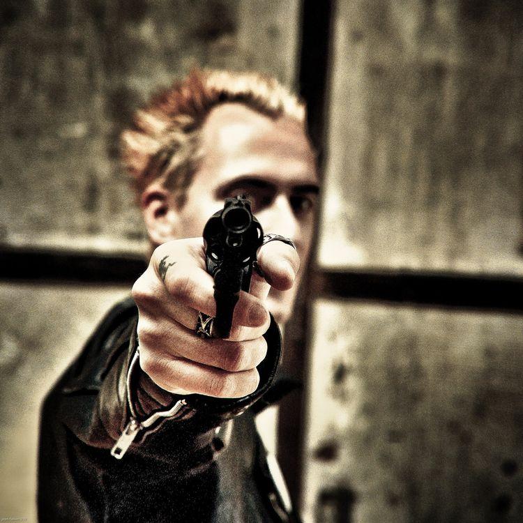 Guns Brixton - portrait, punk, punky - jean-fabien   ello