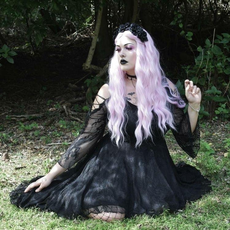 Shot husband - goth, gothic, gothgirl - creepiecutie | ello