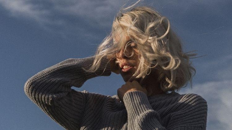 cold sun warm - portrait, portraitphotography - mariakoselig | ello