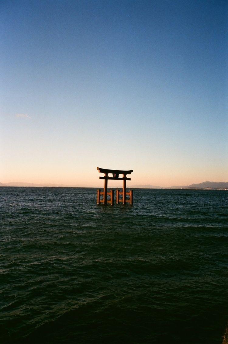 白髭神社,日本 - huang_tzuhsin | ello
