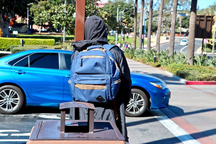 Faceless Los Angeles 1 2.28.201 - amandatally   ello