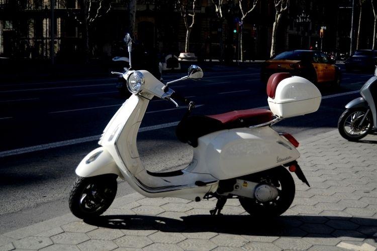 Barcelona, Catalunya, 11/02/201 - santi_jajijo | ello
