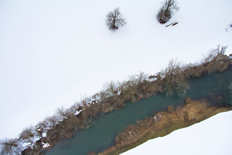 Cold river. River Unica flows s - kap_jasa | ello