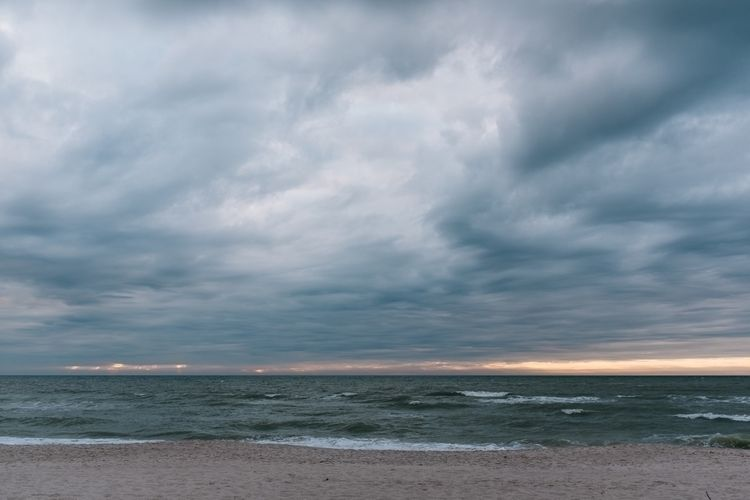 eye, storm - fujifilm, florida, gulfofmexico - jonathanpercy | ello