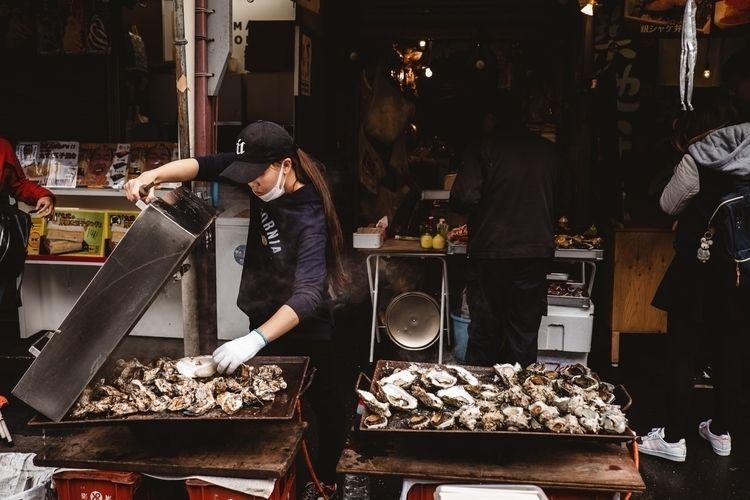Tsukiji fish market - tokyo, japan - adamkozlowski | ello