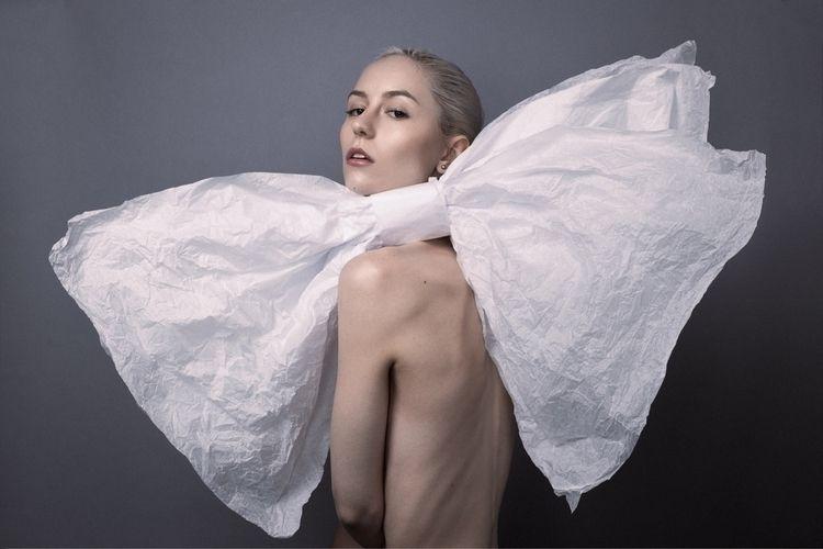 Wrap Photographer HMUA Ernesto  - haleythonen | ello