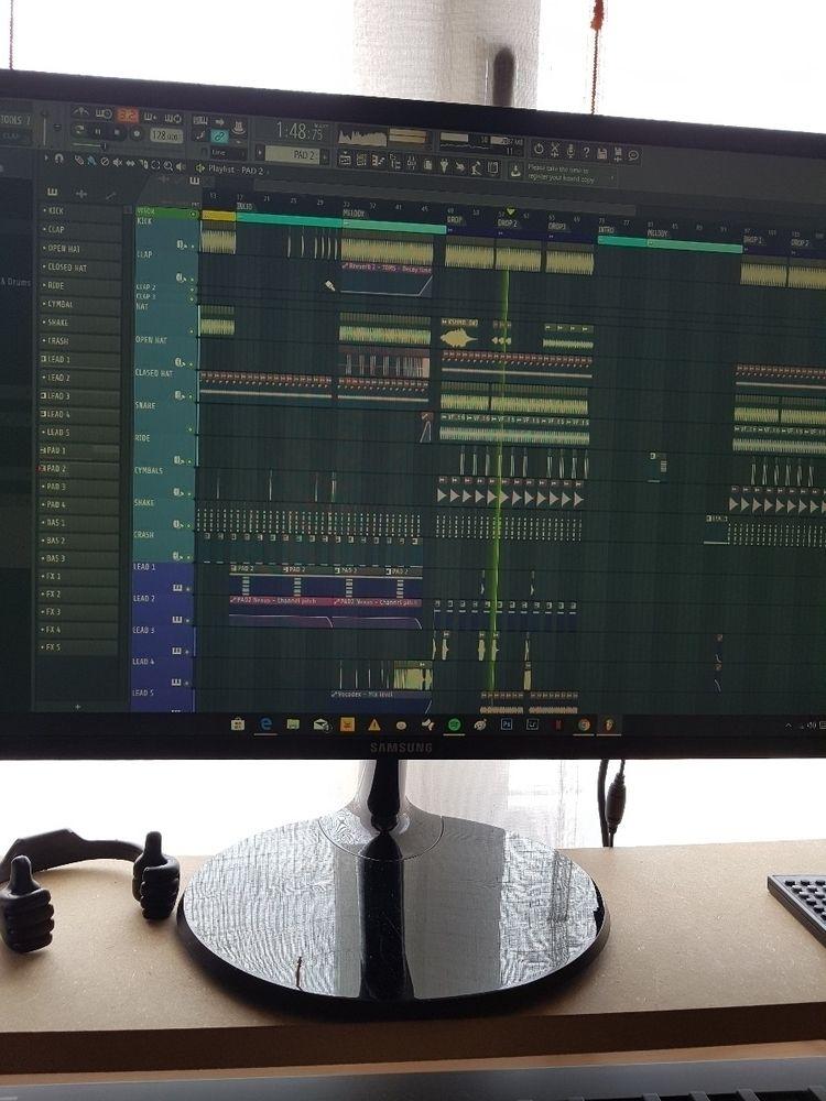 Techno !! :heart:️ - distorsionblue | ello