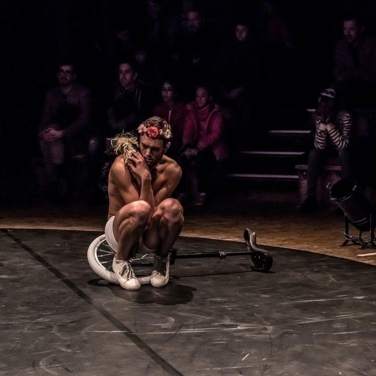 Le Jeune Éphèbe - circus, male, menstyle - jean-fabien   ello