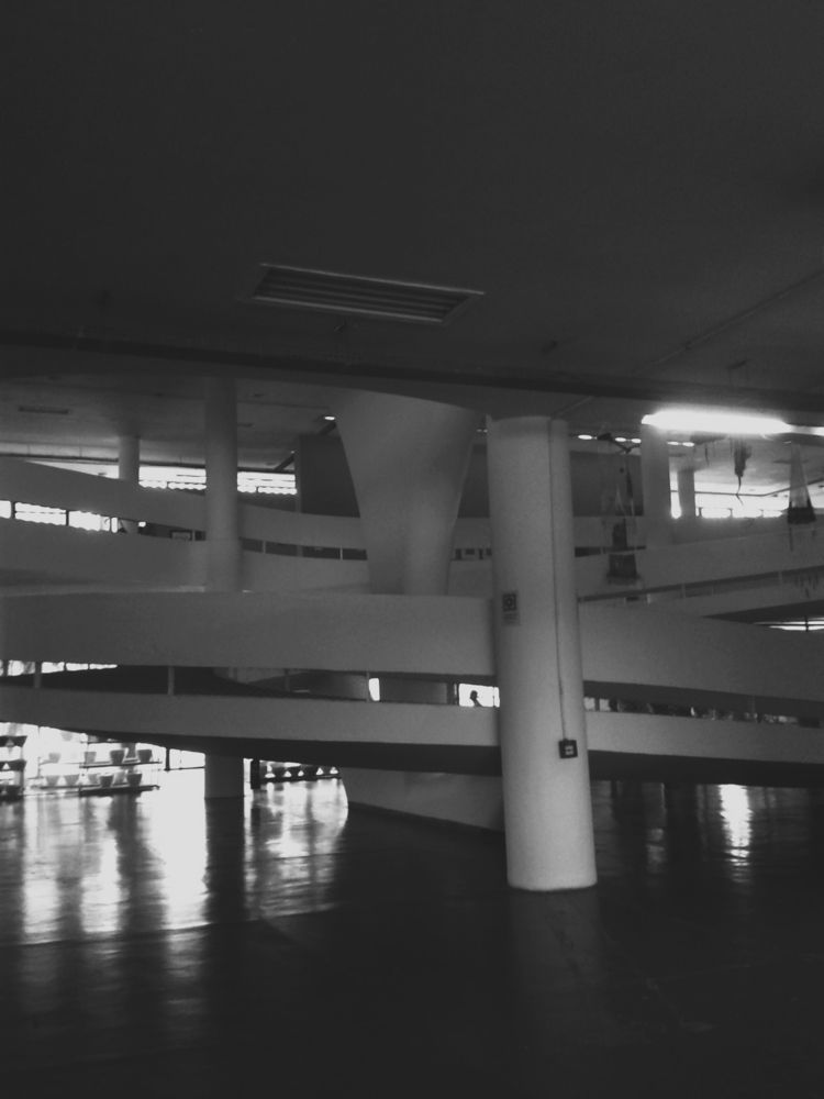 Pavilhão da Bienal, Live Uncert - andreaekstein | ello