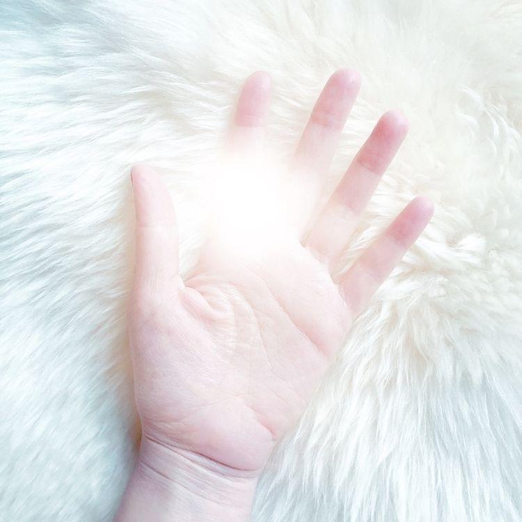 Lisa Kimberly - NewOnEllo, hand - lisakimberly | ello