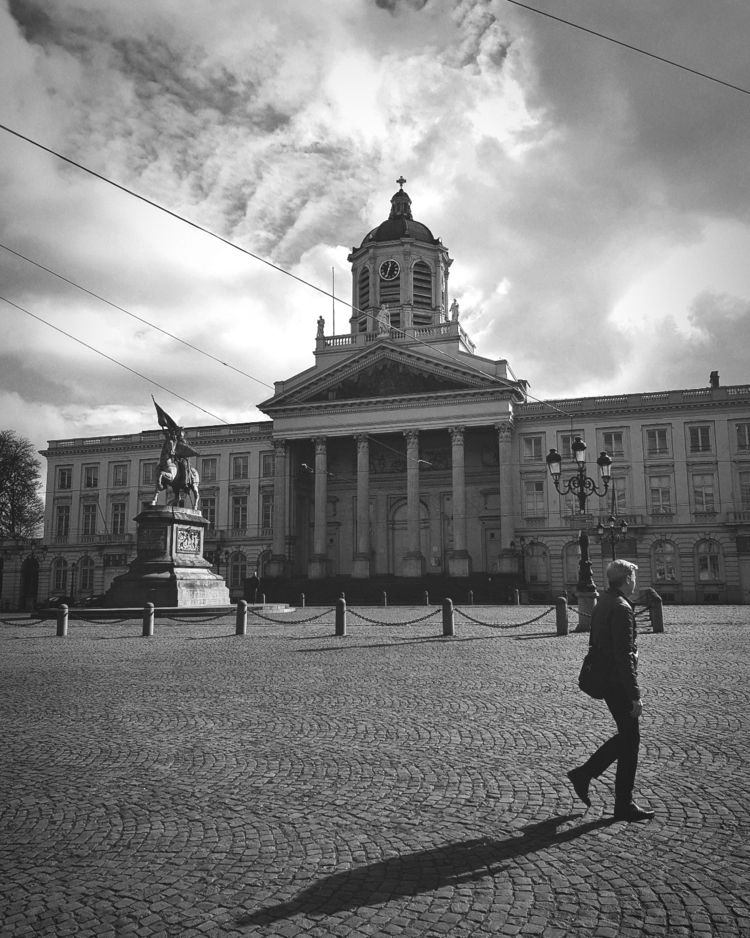 walkingmanwalks, Brussels - antoamendola | ello
