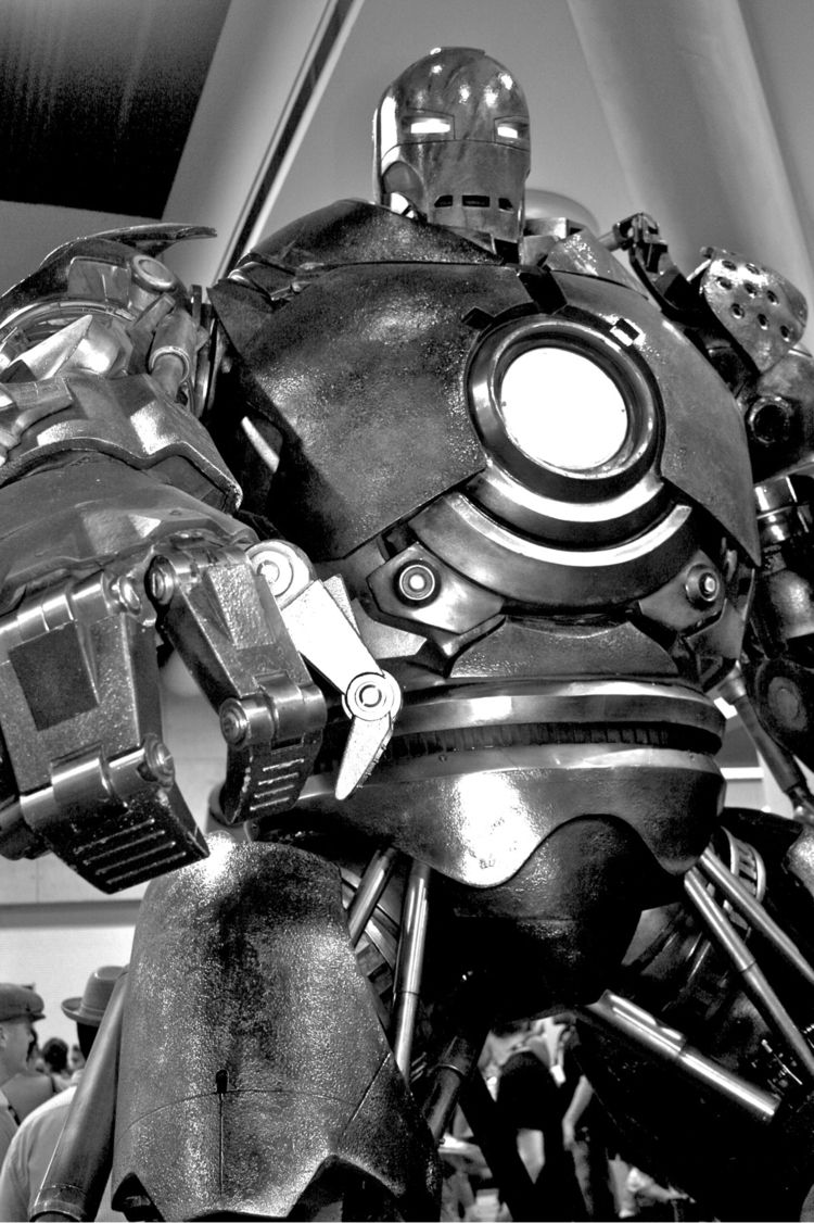 Iron man Comicon - blackandwhite - afardo | ello