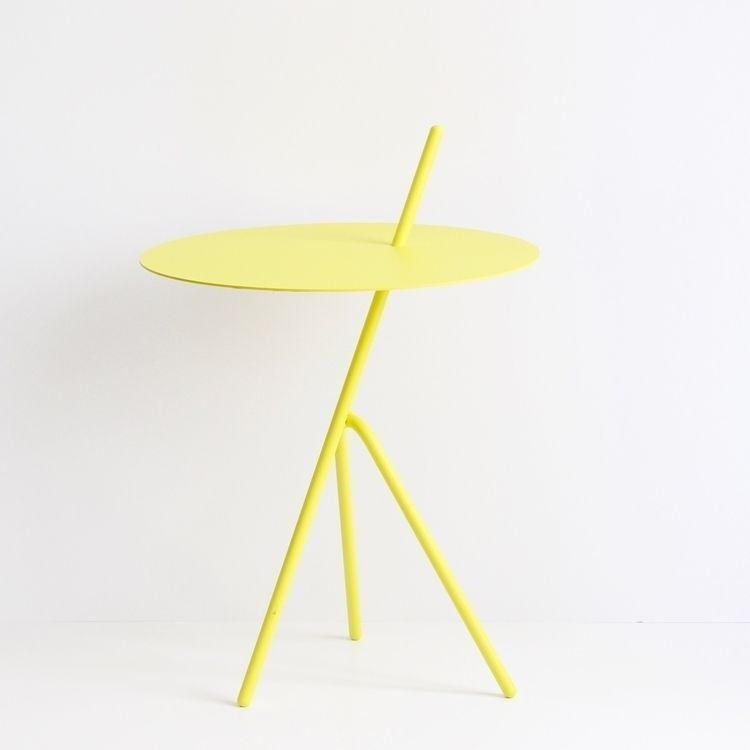 prototype Mariachi table Sulfur - baudesign | ello