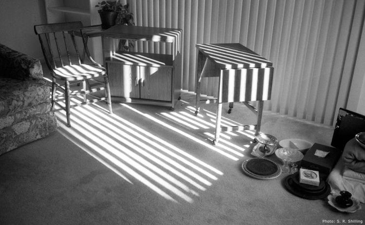 Light Falling Unwanted Furnitur - sr-shilling | ello