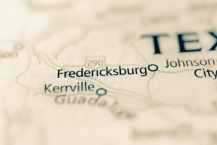 FREDERICKSBURG: HISTORIC HILL C - d_bohotraveller | ello