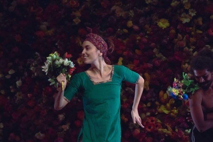 Women Flowers  - incredibleindia - isukantapal   ello