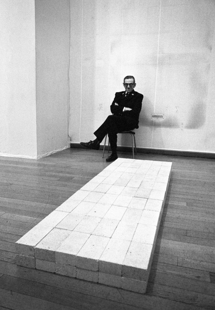 - early carl andre - bluevertical | ello