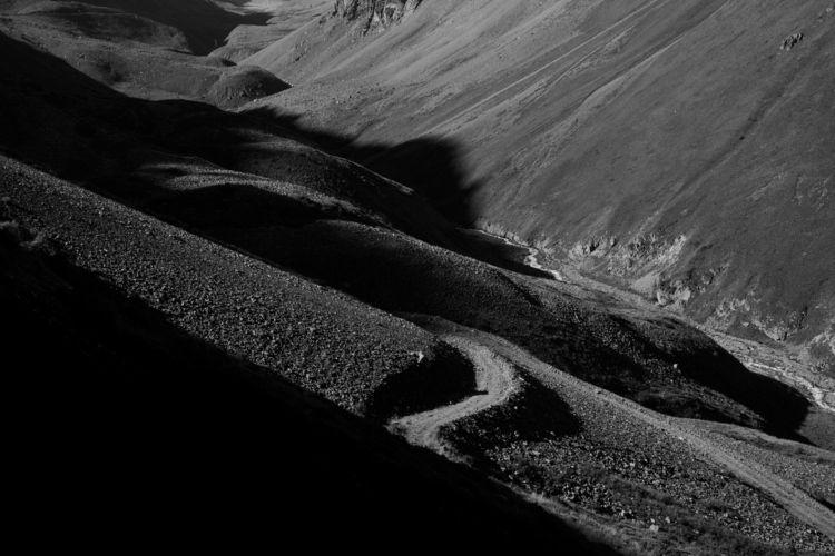 Zigzag Chon-Kemin valley, Kyrgy - amiett   ello