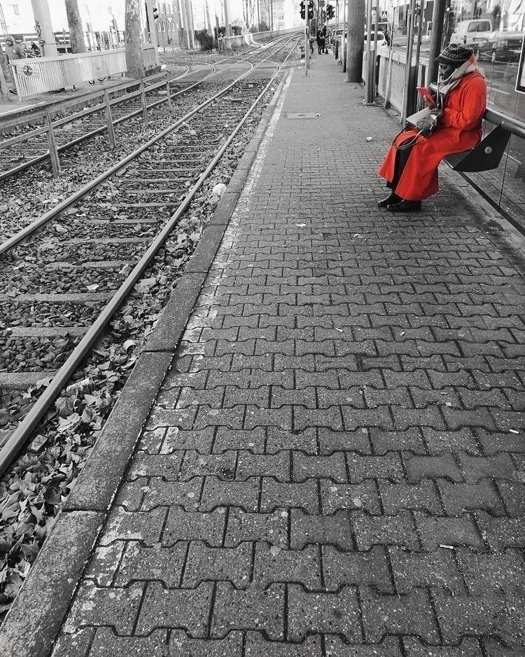 red - crs_efeld | ello