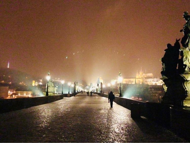 Charles Bridge, night time stro - eoin01 | ello