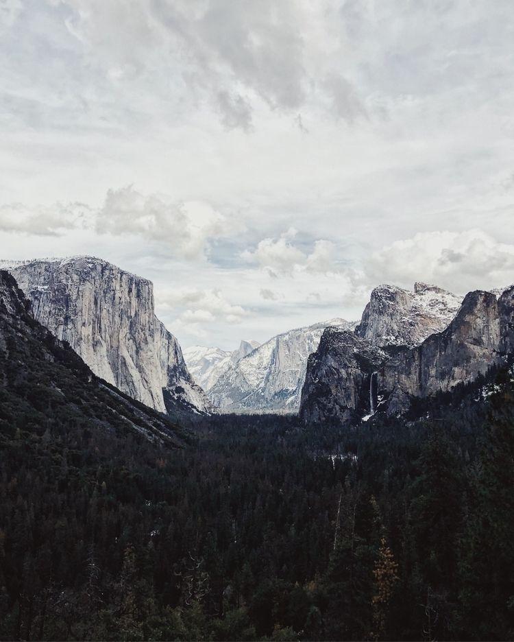 Yosemite - roaminglost | ello