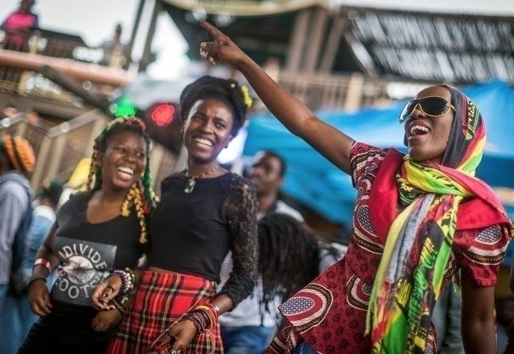 Jahmon... Reggae fans dance par - rajeshjantilal | ello