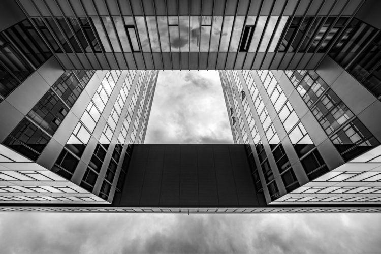SΞΞ ТHΞ ШOЯLD ТHЯOUGH MЏ ΞЏΞS - architecture - origiginal | ello