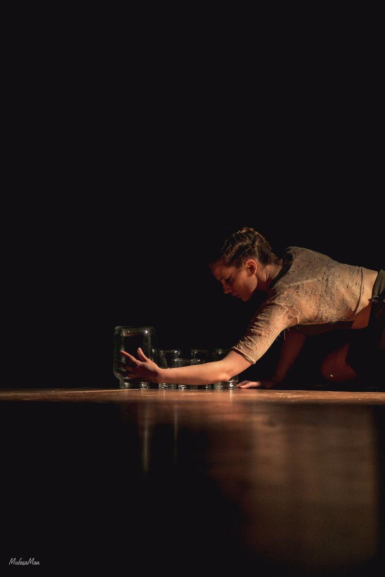 Bailarina - mufasaman | ello