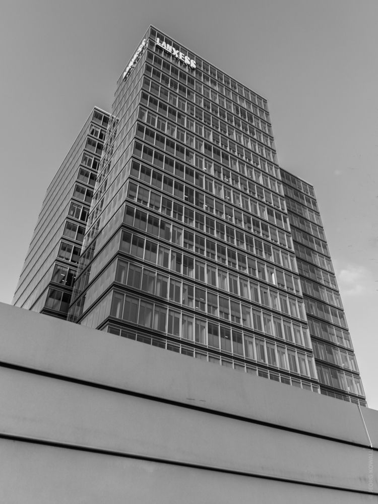 Cologne - blackandwhite, building - gkowallek | ello