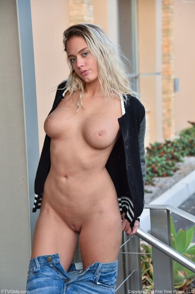 Hot Athena Palomino nude - athenapalomino - marktasseman | ello