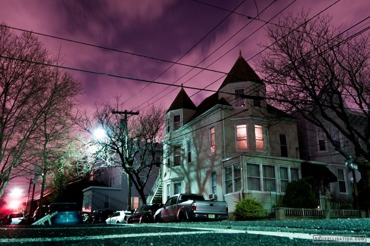 USA, Weehawken, April 2014 - streetphotography - bruxellisation | ello