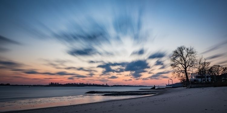 Elbstrand - sunset, elbe, hamburg - gkowallek | ello
