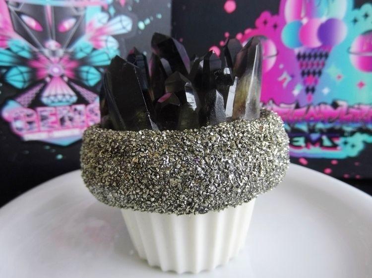♡Crystal Cupcake♡Visit store pu - catmachinegems | ello