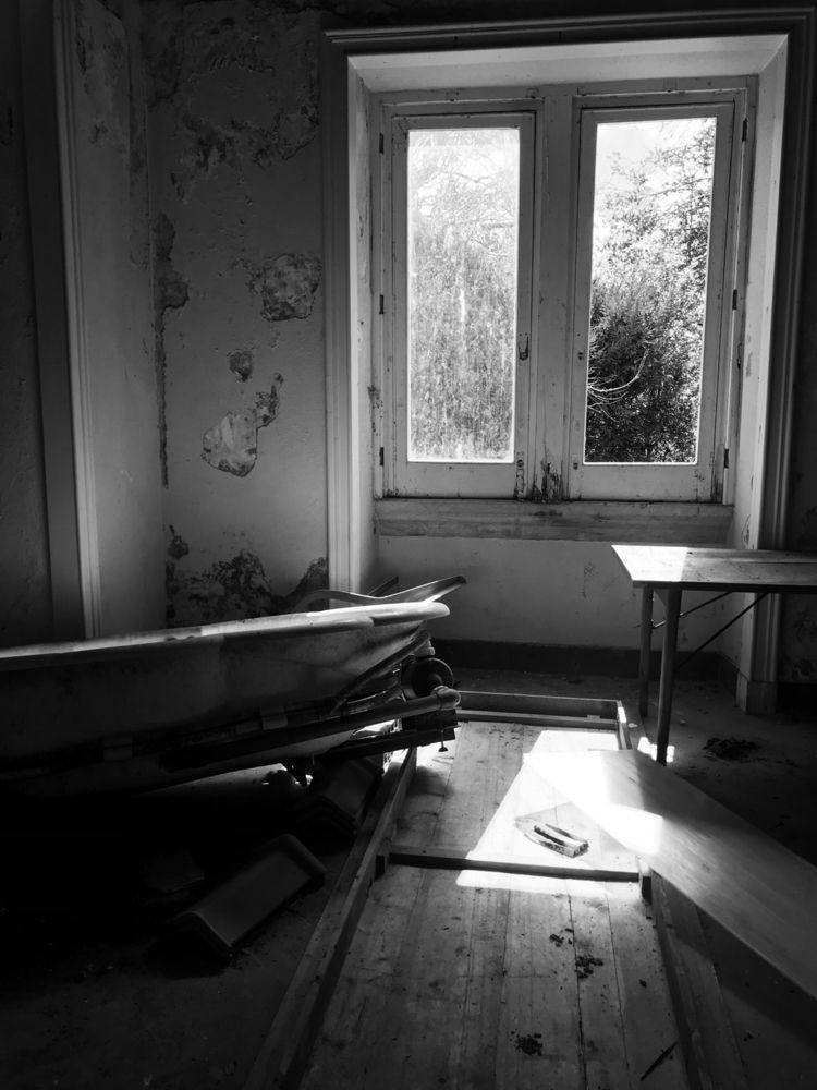 abandonedplaces, photography - joanacomeapapa | ello