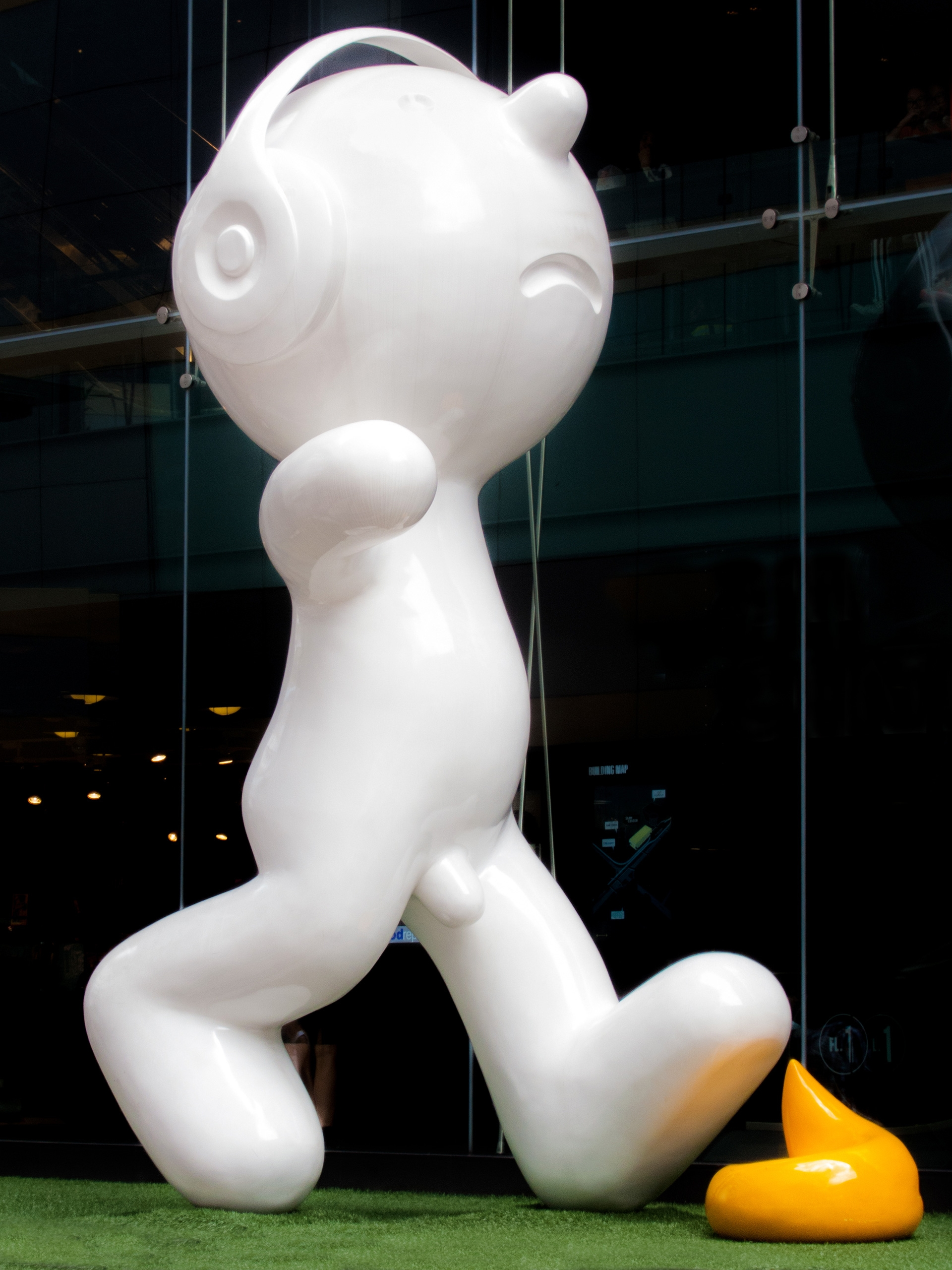 shit art - public, Bangkok, Thailand - christofkessemeier | ello