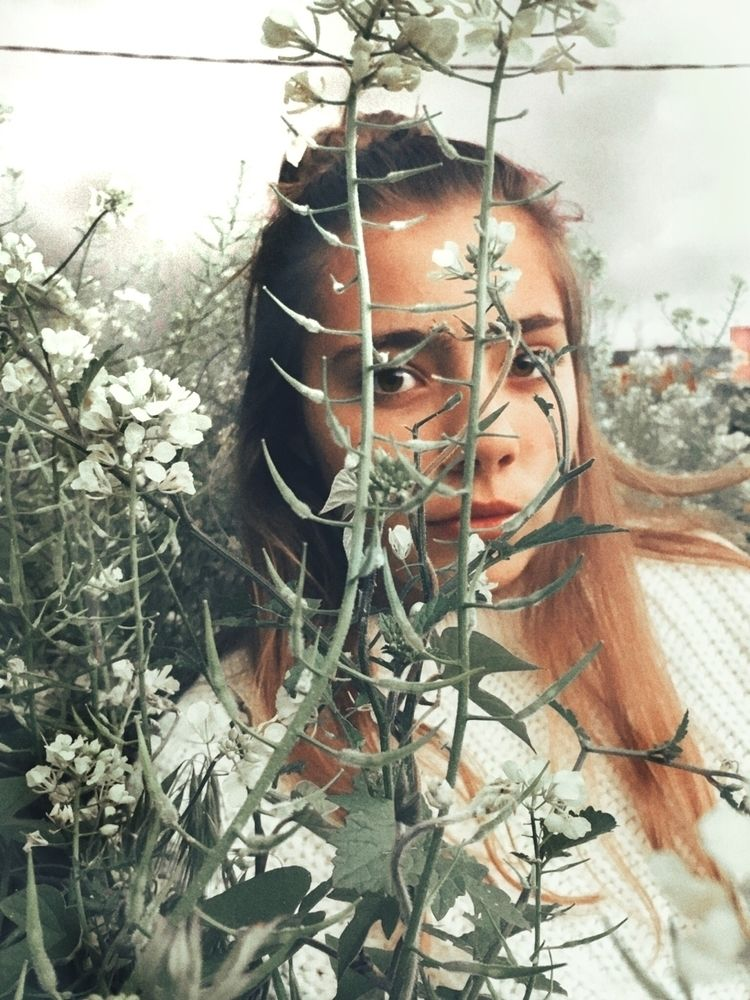 portrait, nature - inesmengual_ | ello