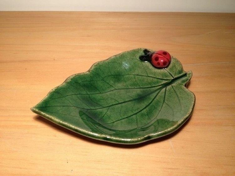 Ladybug Black Eyed Susan Leaf S - snedell | ello