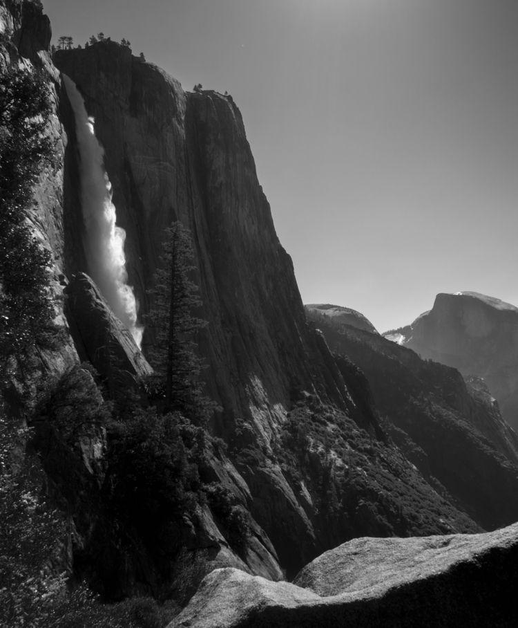 Yosemite Falls Valley - BlackAndWhite - aaronvizzini | ello