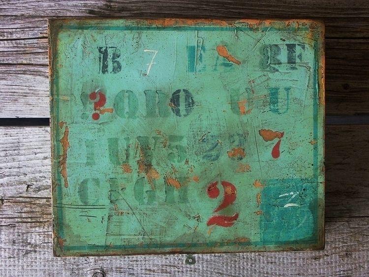 Green chippy box. Painted acryl - eadesign | ello