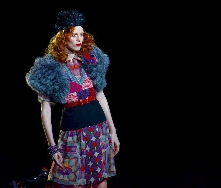 オートクチュールとは、パリ・クチュール組合加盟店で注文により縫 - neo25ans2ch | ello