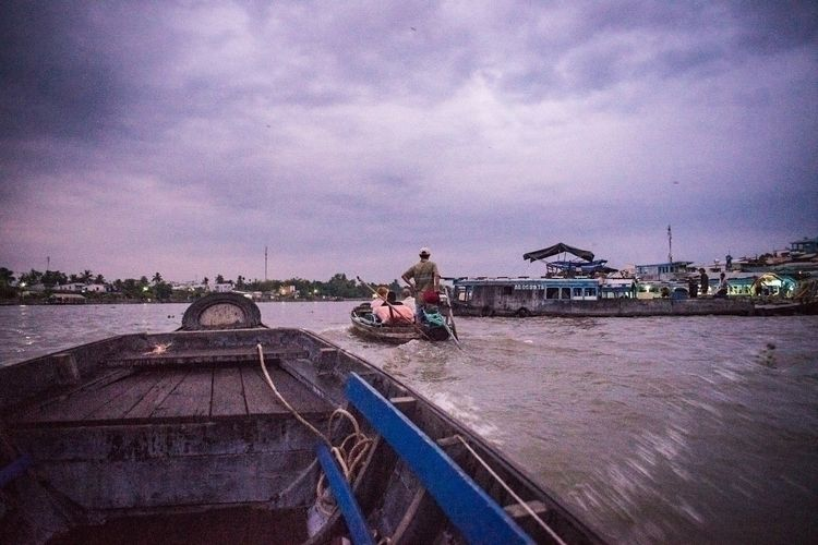 early morning Mekong river frui - lutzewild | ello