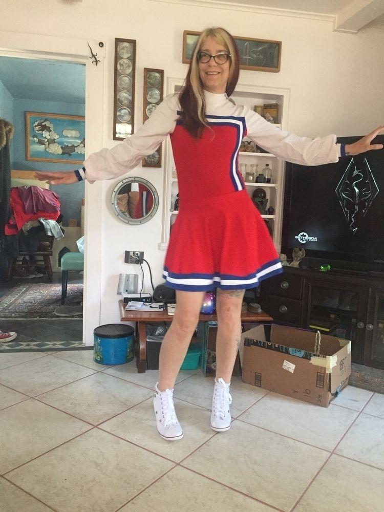 hot wife cheerleader wear - kingredteeth | ello