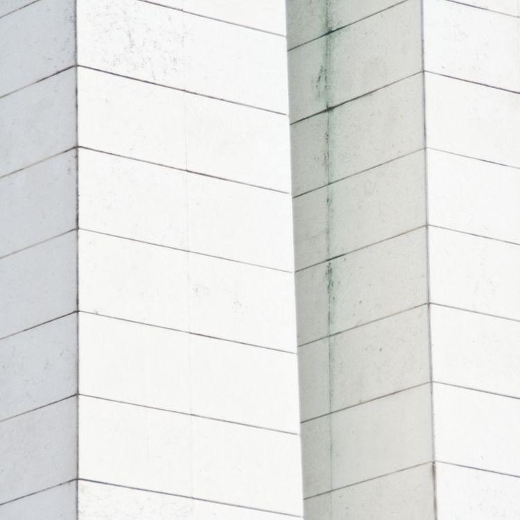 Brique blanche - photography, minimalhunter - msr_mood | ello