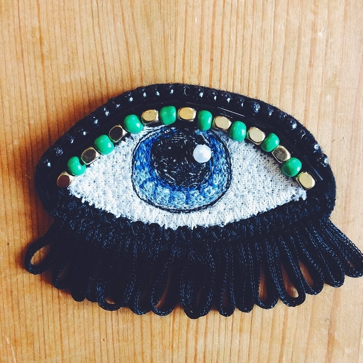Merging eye brooches bags, maki - alittlevintagedoll | ello